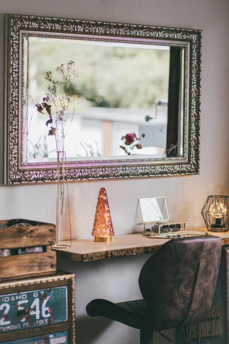 Styling-Ecke mit Spiegel